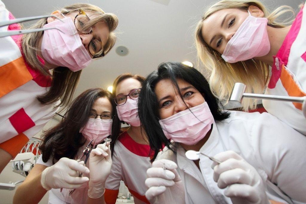 Fogászat, fogszabályozás, szájsebészet