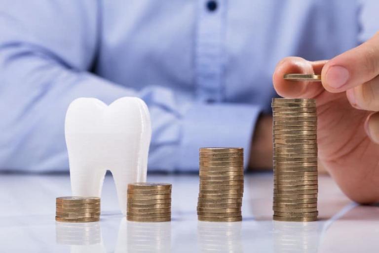 Zahnarzt Behandlungen in Ungarn: Qualität und faire Preise